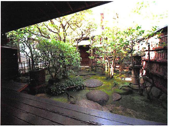 桂離宮の意匠を取り入れた座敷庭