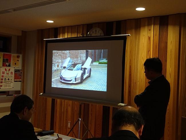 CNF自動車が東京モーターショウで展示され、反響を呼んだ